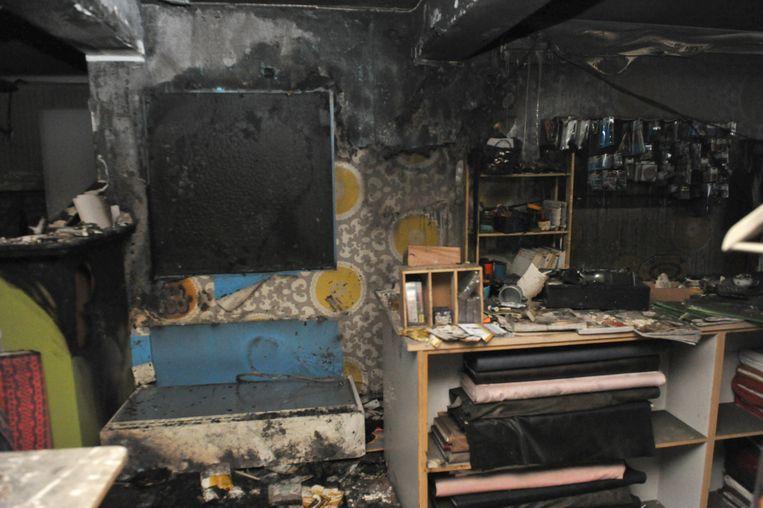 De plaats waar de brand ontstond. Vermoedelijk ligt een kortsluiting in een radiator aan de basis.