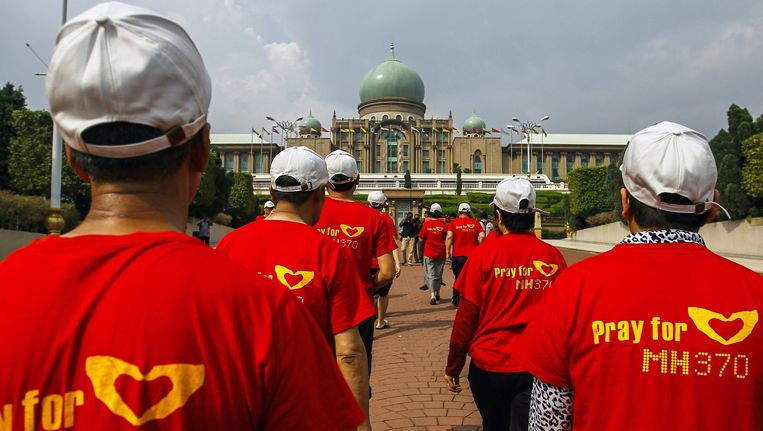 Nabestaanden van de verdwenen MH370-vlucht. Beeld epa