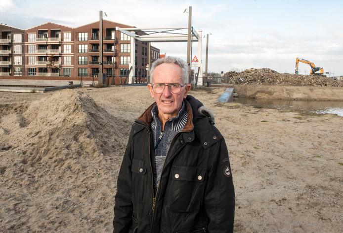 Johan Foppen, nazaat van Dirk 'Wortel' Foppen heeft met succes gepleit voor het opnemen van de naam Evert Wortel in de serie straatnamen in Waterfront die zijn gebaseerd op bijnamen uit het Harderwijkse visserijverleden.