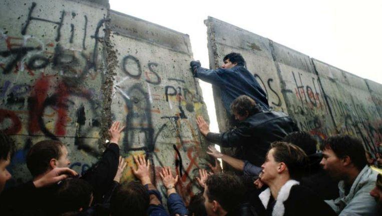 De val van de Berlijnse muur in 1989. Beeld reuters