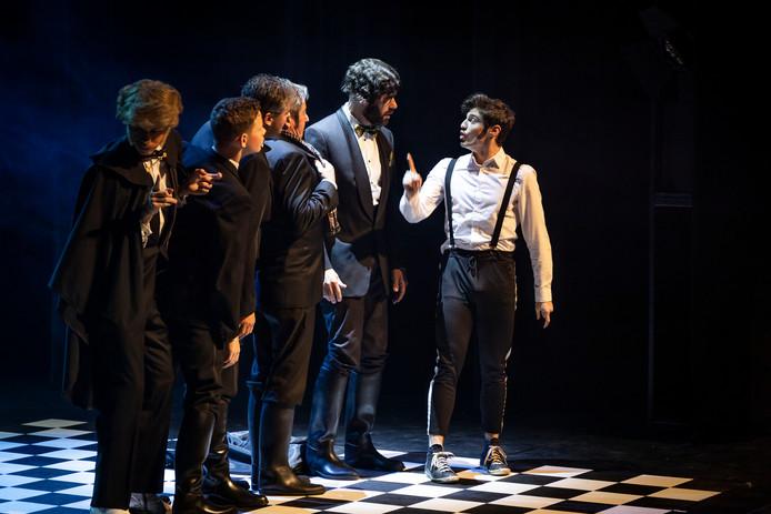 De voorstelling Don Juan van toneelgroep 't Gat. Gemert