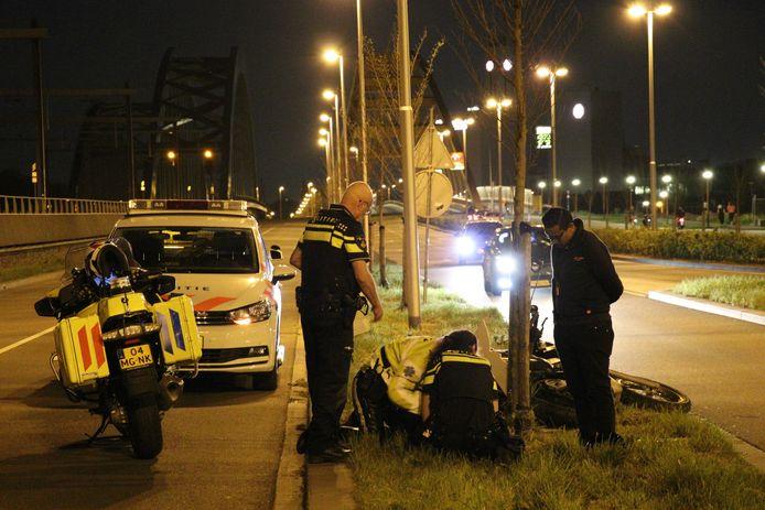 Een motorrijder raakte gisteravond gewond op de Vleutenseweg