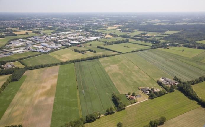 Industrieterrein Gaxel (Vreden) vanuit de lucht boven buurgemeente Winterswijk. Rechts de grensovergang waar een grensoverschrijdend dienstencentrum is gepland.