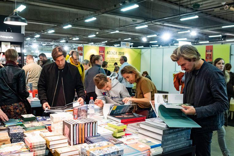 11112018 Antwerpen boekenbeurs Laatste dag boekenbeurs 2018--> drukte op de boekenbeurs