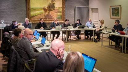 """Laatste aparte raad voor Sint-Amands en Puurs: """"fusiegemeente zit nu al in zakken van inwoners"""""""
