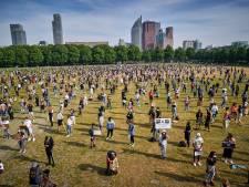 LIVE | Voldoende afstand tussen demonstranten Black Lives Matter op halfvol Malieveld