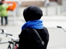 Meisje (14) doet hoofddoek niet af en wordt zwaar mishandeld in Emmeloord