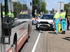 Automobiliste ziet ov-bus over het hoofd in Honselersdijk
