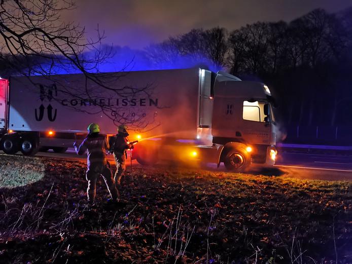 Vrachtwagen in brand op de A12