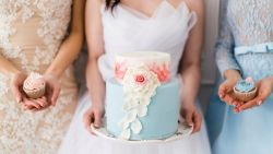 Bridezilla 2.0: bruid dient haar bruidsmeisjes geen afslankshakes, maar dikmakers toe