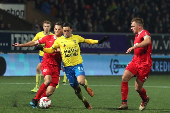 17-11-2019: Voetbal: Cambuur v Almere City FC: Leeuwarden Soccer Keuken Kampioen Divisie season 2019 - 2020   Bart Meijers of Almere City FC , Delano Ladan of SC Cambuur , Damon Mirani of Almere City FC