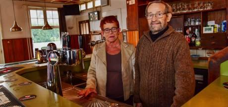 Nooit meer beginnen in café Klein Antwerpen in Knegsel