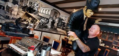 Emotionele cafégangers proberen sluiting van De Drie Vuisten te voorkomen
