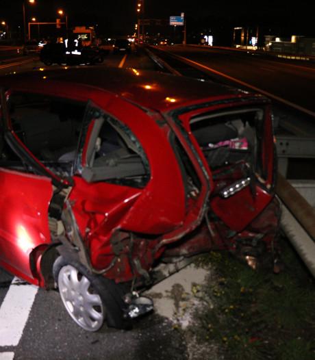 Twee zwaargewonden door ernstig ongeluk op A12 bij Duiven
