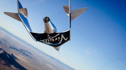 Virgin Galactic test voor het eerst toeristisch ruimtetuig met drie opvarenden