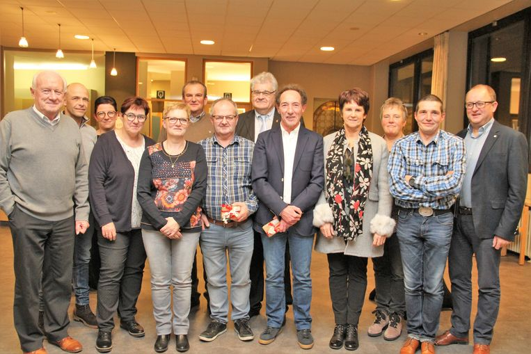 Geert Decuypere en Luc Bossuyt werden uitgezwaaid door zijn collega's