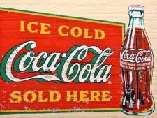 Coca-Cola schort reclames op social media voor een maand op