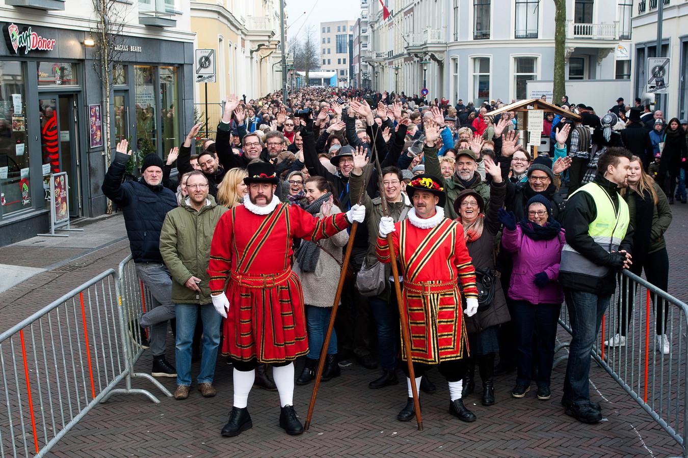 Wachten is gereguleerd, maar duurde vorig jaar maximaal 1 uur en 12 minuten bij Dickens in Deventer.