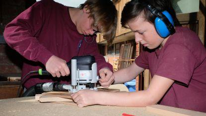 Leerlingen Sint-Lambertusinstituut maken tafeltjes voor Vlaamse proef