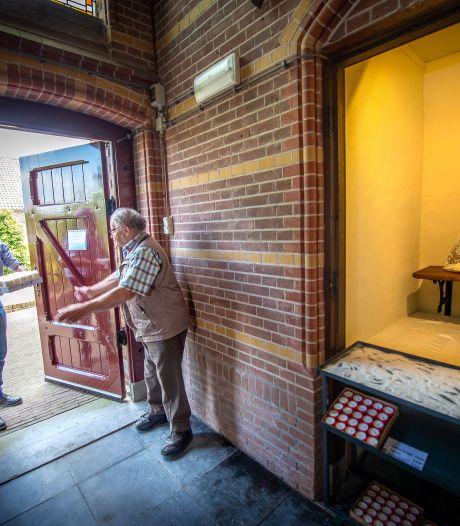 Kapelletje in de kerk van Horssen: een kaarsje aansteken kan weer