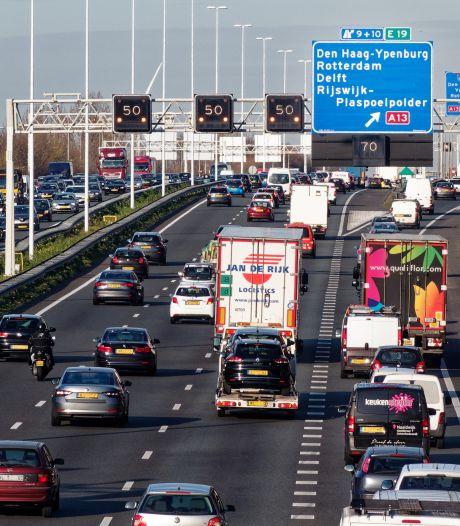 Treinmijders stappen in auto en veroorzaken coronafiles rond Den Haag