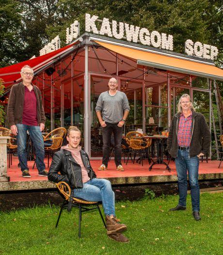 Nieuw in T-Huis: politiek café de Voorbeschouwing, 'ouderwets bomen' over hot issues in stad en wijk