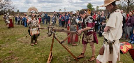Zeker duizend bezoekers bij Romeins kamp op Ermelosche Heide