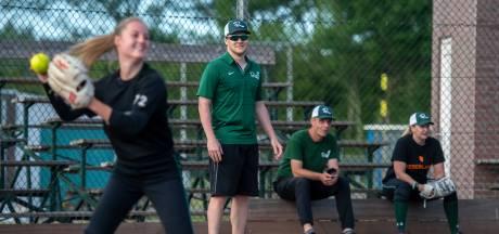 Trots Roef! kijkt uit naar eerste wedstrijd als kampioen: 'Softbal is geen contactsport'