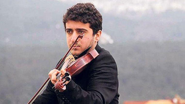 Nadat zijn studentenvisum twee keer was afgewezen, zag de jonge Baris Yazgi geen andere optie meer dan illegaal de overtocht naar Griekenland te wagen per boot.