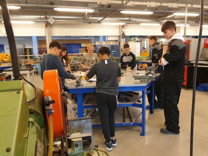 Een eigen draaimolen maken: het is allemaal mogelijk op een technische ochtend in Etten-Leur.