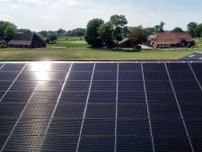 Zonnepanelen op dak mengvoerbedrijf Haarle 'voor iedereen'