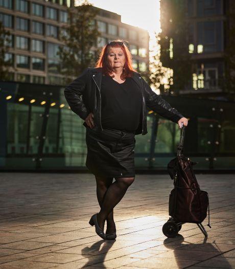 Chantal (69) is een trotse transgender: 'Meteen toeterende auto's op straat. Leuk toch'