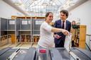 Fractievoorzitter Jesse Klaver van GroenLinks en zijn vrouw Jolein brachten hun stem uit voor de Provinciale Statenverkiezingen en het waterschap.