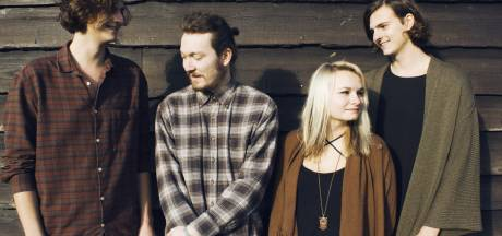 Engels platencontract en nieuwe single voor Doetinchemse Snow Coats