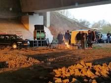 Illegale houseparty onder brug in Ewijk beëindigd