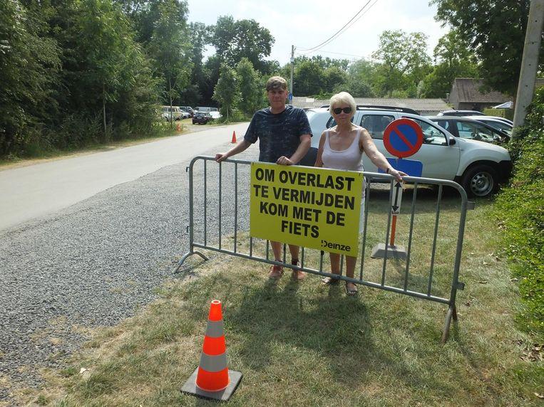 Yves Lagrange en Lynda Minnens vragen bezoekers om zoveel mogelijk met de fiets te komen.