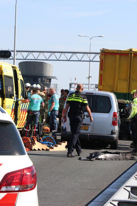 Zes gewonden bij ernstig ongeluk op N50 tussen Emmeloord en Kampen, weg in één rijrichting weer open