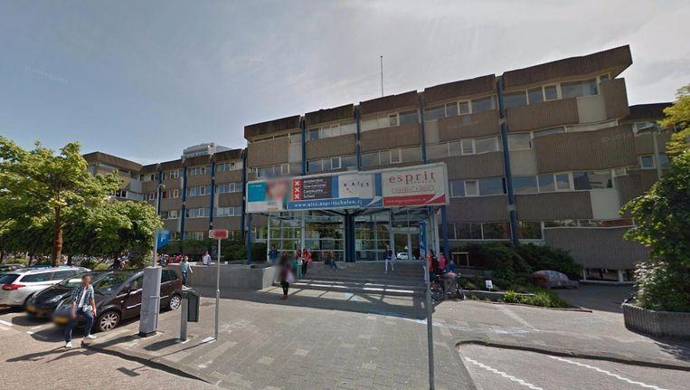 Het huidige gebouw van de Amsterdam International Community School. Beeld Google Street View