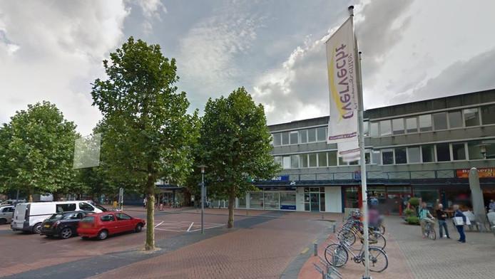 Aan de Zamenhofdreef boven winkelcentrum Overvecht worden kamers verhuurd die mogelijk te duur zijn.