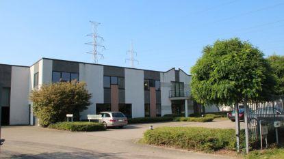 """Brandweer rukt uit voor lek bij chemisch bedrijf in Overpelt: """"Geen enkel gevaar voor omwonenden"""""""