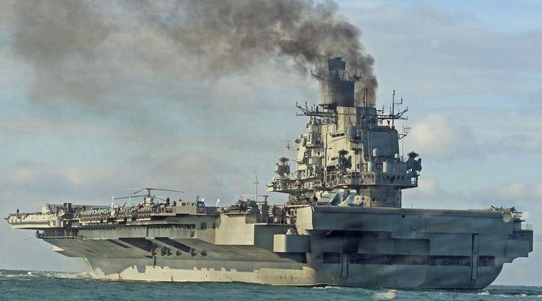 Het enige vliegdekschip dat Rusland rijk is, de Admiral Kuznetsov, heeft 1.960 bemanningsleden aan boord, naast kruisraketten en Blade- en Chestnut wapensystemen.