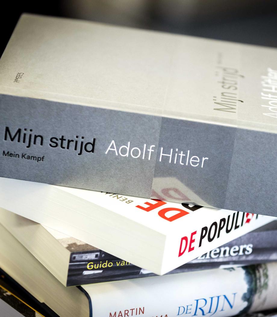 Citaten Hitler Duits : Mein kampf van adolf hitler gewoon in de verkoop debat in de