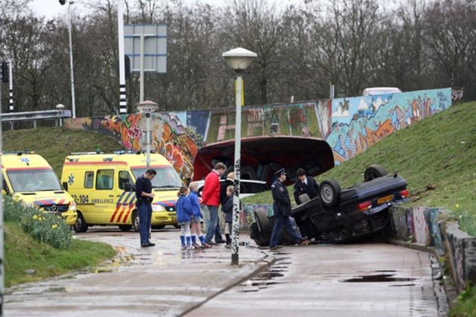 Auto Belandt Op Zijn Kop In Berenkuil Eindhoven