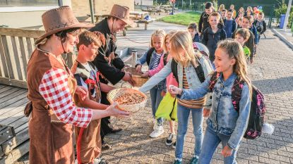 De Toekomst start schooljaar met letterkoekjes