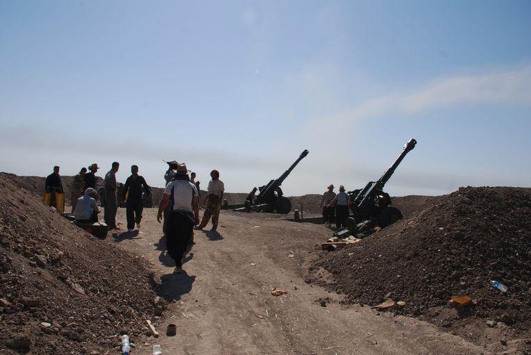 Het Iraanse leger vecht tegen IS. Beeld getty