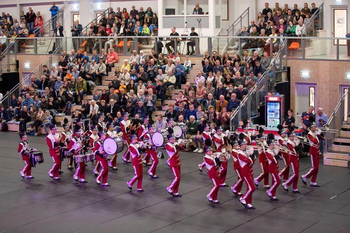 De jeugdshowband van Showkorpsen Irene tijdend de Indoor Taptoe Ede in oktober 2019.