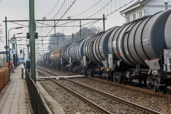 Vanaf komende maandag rijden er zes weken lang twee keer zo veel goederentreinen door Breda.