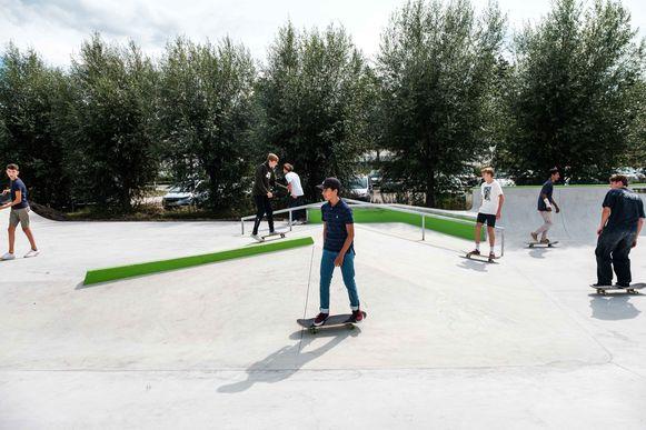 Zowel beginners als gevorderden zouden in het skatepark aan hun trekken moeten komen.