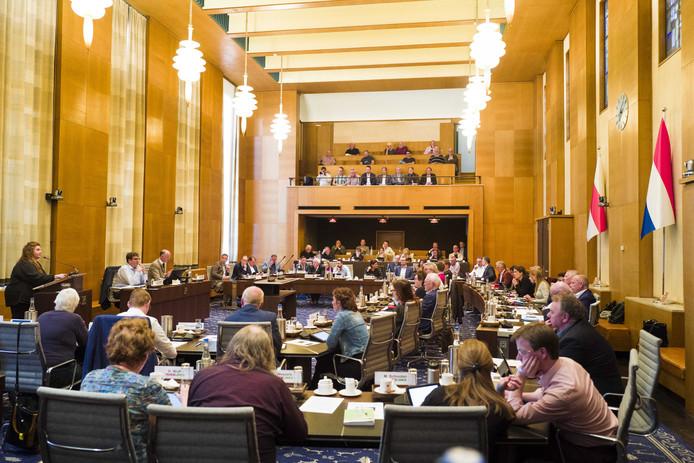 De gemeenteraad van Enschede vergadert.