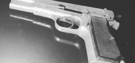 Vier mannen op 'boevenpad' in Helmond: politie vindt vuurwapen in auto